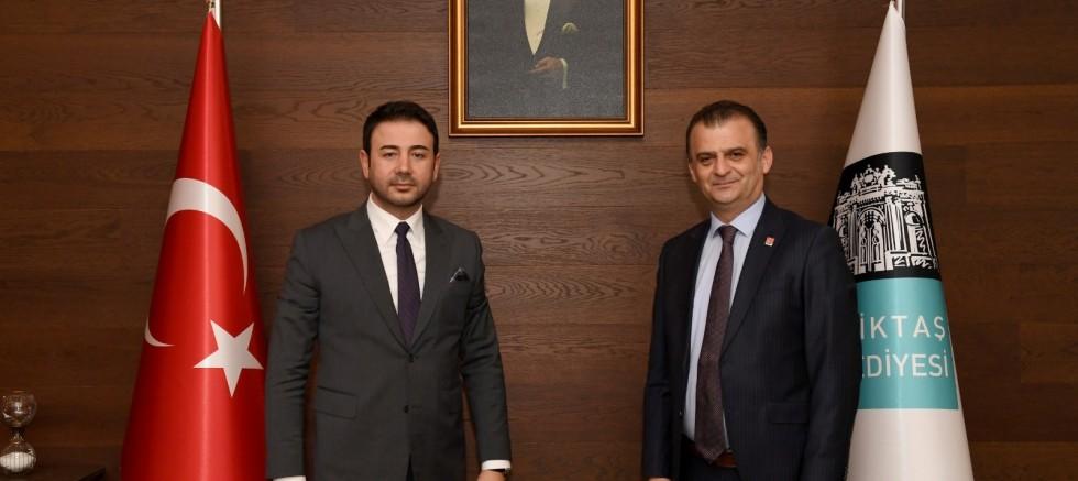 Başkan Rıza Akpolat, CHP Samsun İl Başkanı Fatih Türkel'i makamında ağırladı.