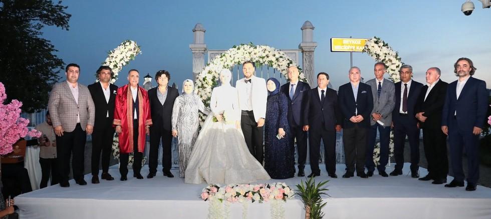 Bayrak ailesinin muhteşem düğünü