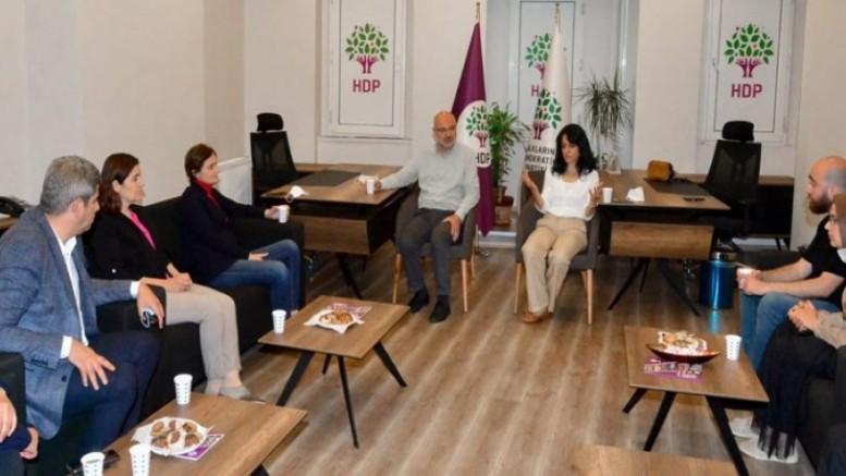 Canan Kaftancığlu'ndan HDP İstanbul İl Örgütü'nde taziye ziyareti
