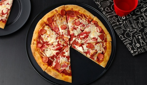 Dominos'tan pizza istedi, gelen ürün şoke etti