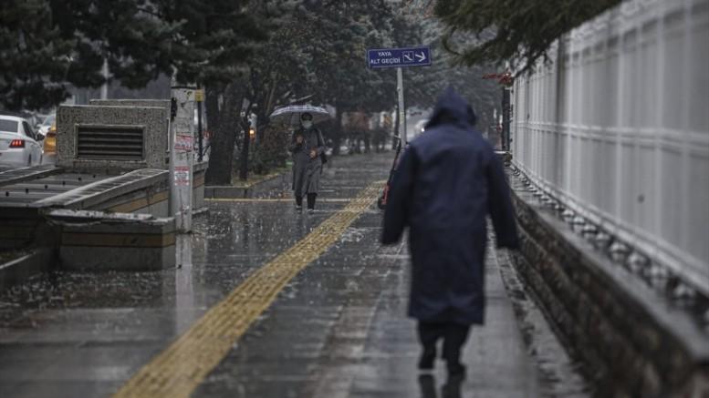 Meteoroloji saat verdi: İstanbul için kuvvetli yağış uyarısı