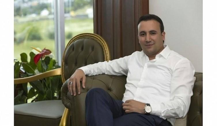 Orhan Güzelaydın,Babalar Günü mesajı yayınladı...