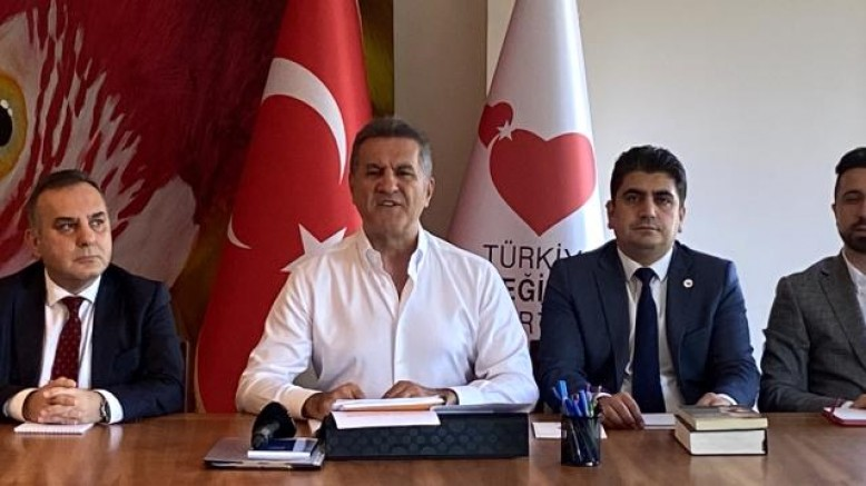 Tepkiler sürüyor: TDP Genel Başkanı Mustafa Sarıgül'den HDP binasına saldırıya ilişkin açıklama